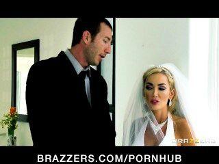 Sexy Braut Devon Big-tit Reitet Einen Großen Schwanz Direkt Nach Ihrer Hochzeit