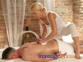 Massageräume Dünne Blonde Felgen Client Vor Ihrem Orgasmus Spritzte