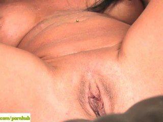 ältere Frau Susie Ihre Reifen Pussy Liebäugelt