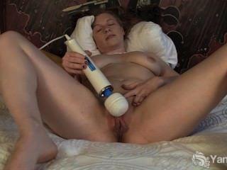 Sexy Amateur Lili Spielzeug Ihre Muschi