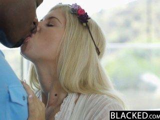 Geschwärzter Blonde Mode-modell Addison Belgien Squirts Auf Riesigen Schwarzen Schwanz!