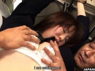 Japanische Schülerin Yayoi Yoshino In Bus Gefickt Uncesnored