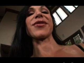 Fine Ass Juwelen Jade Entblößt Brüste!