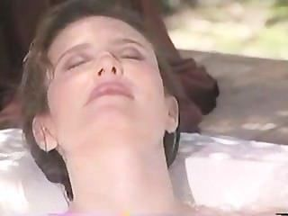 Mimi Rogers - Ganzkörpermassage