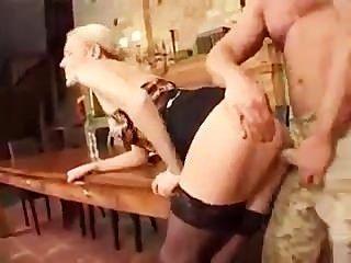 Deutsch Porno: Chef Bekommt Einen Riesenschwanz