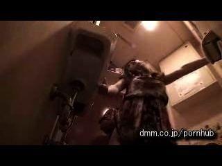 Fuyutsuki Kaede - Ich Mag Sex In Der Toilette