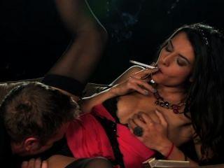 Loulou Charmelle Rauchen