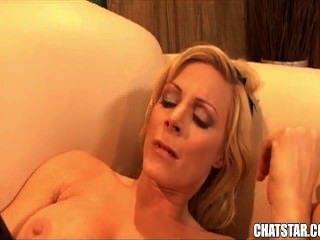 Erstaunlich Blonde Babe Wird Hart Gefickt Und Schmeckt Sperma Aus Großen Schwanz