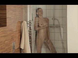 Orgasmus In Der Betörenden Dusche Erreichen