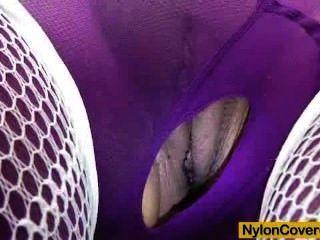 Eine Gefälschte Penis In Strumpfhose Reit