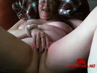 Rothaarige Schlaffe Titten Oma Masturbation