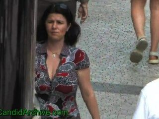 Hot Reife Frau Mit Riesigen Titten Zu Fuß