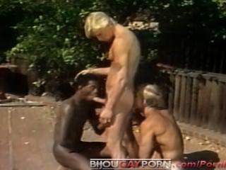 Outdoor Threeway Und Voyeur - Klassische 80er-homosexuell Porno Student Körper