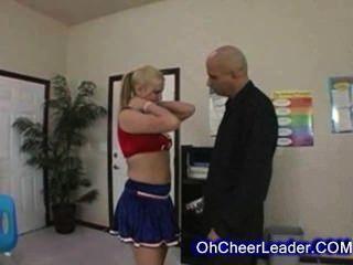 Sexy Blonde Cheerleader Auf Ihrem Lehrer