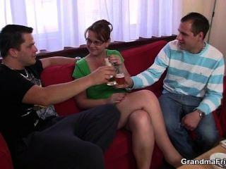 Betrunken Dreier Party Mit Alten Küken
