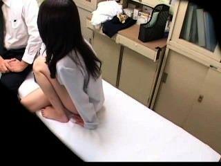 Spycam Schülerin Von Arzt 1 Mißbraucht