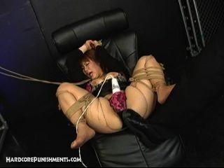 Japanisch Unterwürfige Sexsklavin In Seil Und Gefickt Von Domina Und Maledom Gebunden