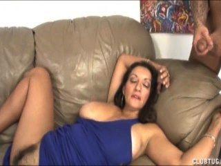 Mutter Mit Dicken Titten Wichsen Und Muschi Reiben