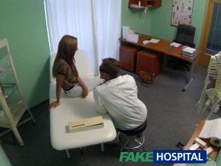 Fakehospital Ausspionieren Von Heißen Jungen Babe Spezialbehandlung Mit