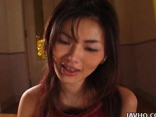 üppigen Japanischen Babe Mai Kuramoto Wichst Einen Steifen Schwanz Unzensiert