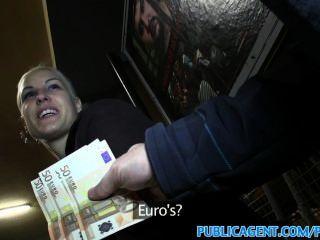 Publicagent Blonde Saugt Und Fickt Auf öffentlichen Zug