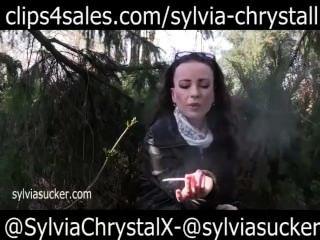 Heiß Im Freien Rauchen Im Ledermantel Sylvia Chrystall Hd