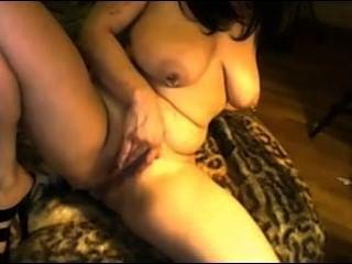 Milf Mit Tätowierungen Masturbiert Ihre Feuchte Muschi