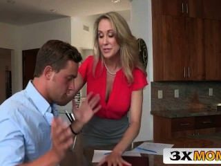 Big Tit Blonde Mutter Lehrt Ihre Teen Tochter Bang - 3xmom.com