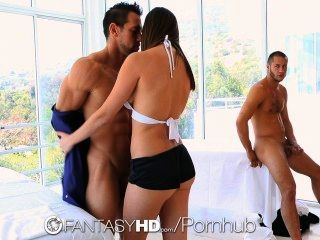 Hd Fantasyhd - Holly Michaels Massagen Zwei Jungs In Dreier Verwandelt