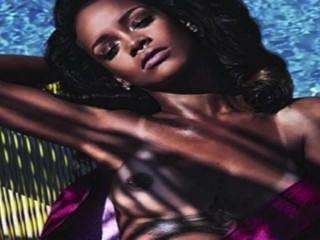 Rihanna Entkleidet In Hd!