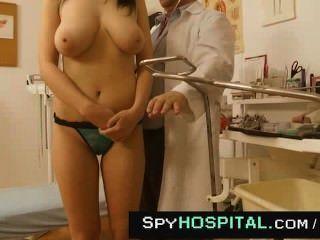 Natürliche Brust Geprüft Von älteren Arzt Spy-cam Bis