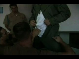 Marine Soldaten Lieben Deepthroating Große Schwänze