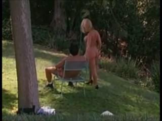 Blonde Devon Im Garten Gepumpt Bekommen