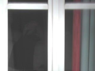 Kerl Erwischt Ausstellenden Hinter Enthüllt Fenster, Bis Er Abspritzt