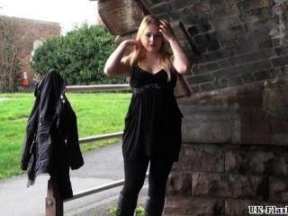Blondinen öffentlicher Masturbation Und Outdoor Muschi Blinken Der Sexy Amateur