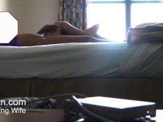 Versteckte Kamera Frau Nach Hause Kommt Massage Von Männlichen Masseur